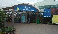 Entrance to Blooms Worcester Garden Centre