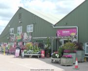Entrance to Polhill Coton Orchard Garden Centre